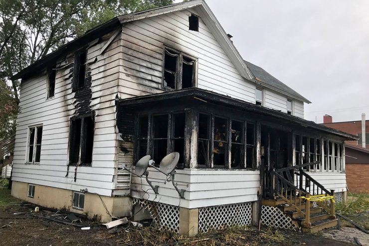 Fire damages Escanaba home Monday night