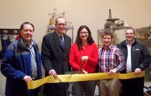 Ribbon cut at opening of new boutique in Negaunee