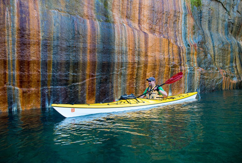 Kayaker says fall is great time to explore Great Lakes