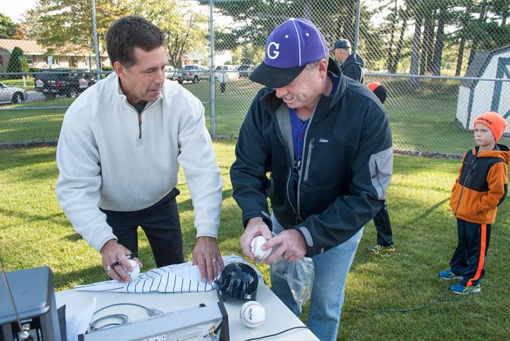 Ballfield named for Tapani, former MLB pitcher from Escanaba