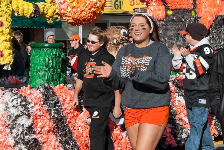 Parade celebrates Esky's homecoming