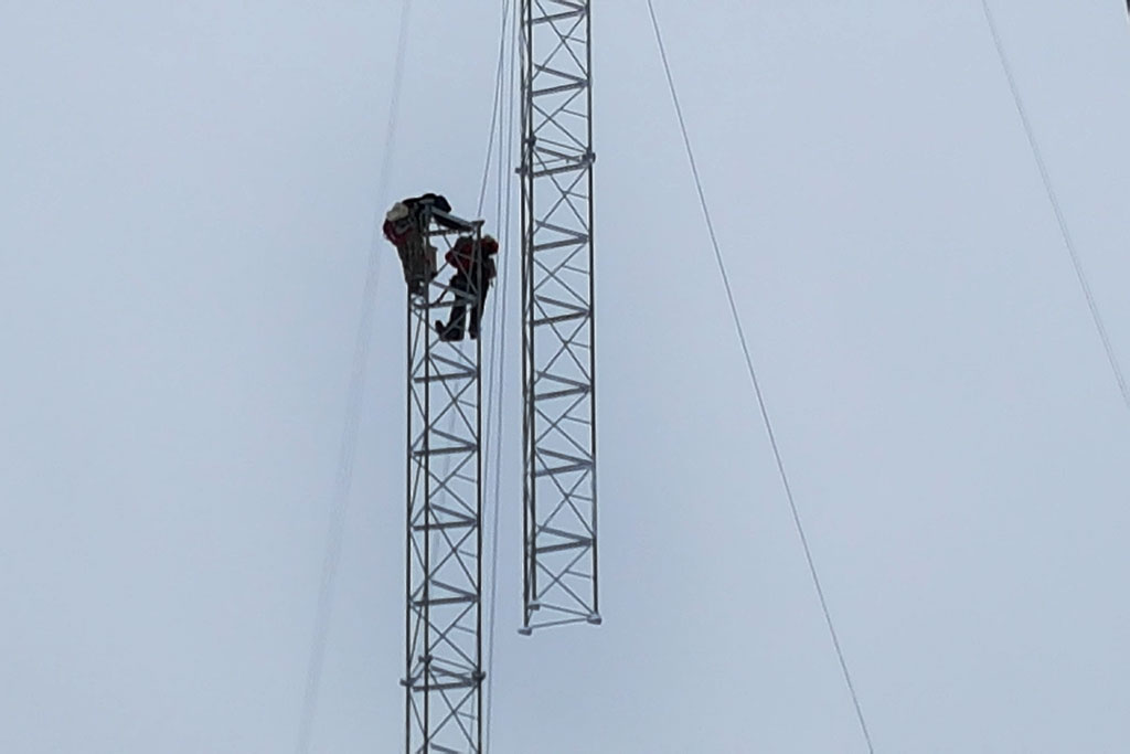 U P  radio station installs new tower after collapse | Upper
