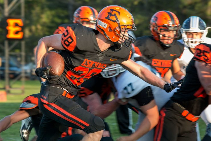 Escanaba defeats Petoskey in exciting end to football game